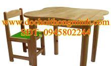 Bàn ghế mầm non, bàn gỗ thông tự nhiên